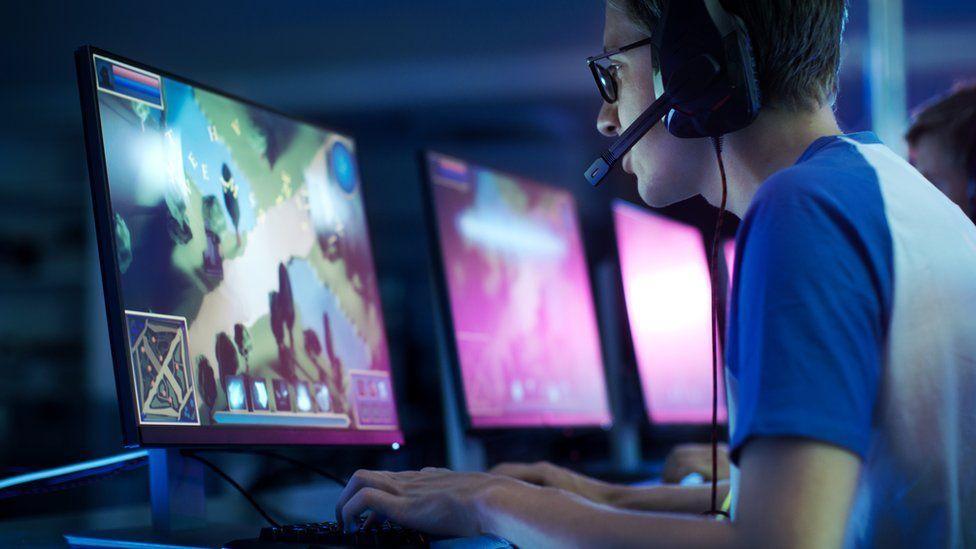 stare komputery gry